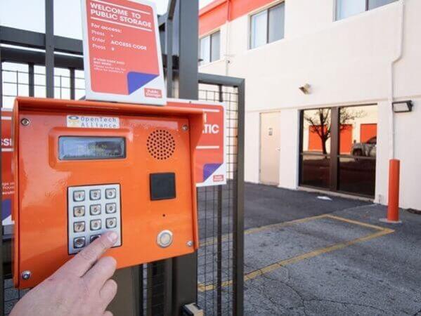 Public Storage - Morton Grove - 8625 Waukegan Road 8625 Waukegan Road Morton Grove, IL - Photo 4