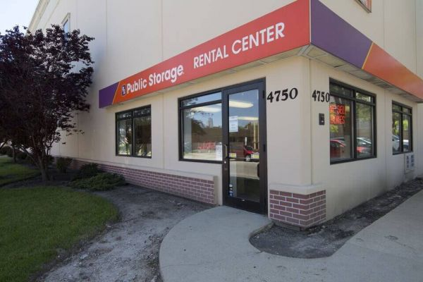 Public Storage - Harwood Heights - 4750 N Ronald Street 4750 N Ronald Street Harwood Heights, IL - Photo 0
