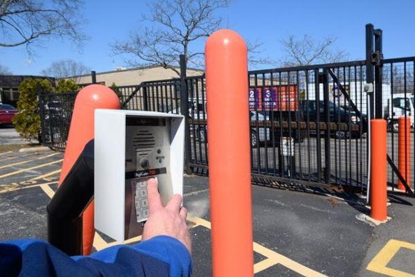 Public Storage - Mount Prospect - 708 W Central Road 708 W Central Road Mount Prospect, IL - Photo 4