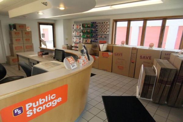 Public Storage - Richfield - 200 W 78th Street 200 W 78th Street Richfield, MN - Photo 2