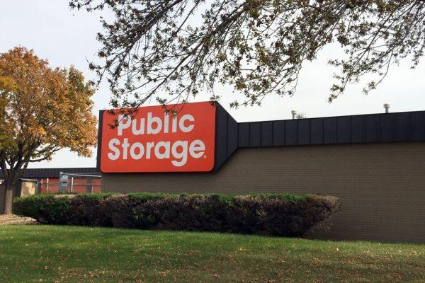 Public Storage - Fridley - 5350 Industrial Blvd 5350 Industrial Blvd NE Fridley, MN - Photo 0