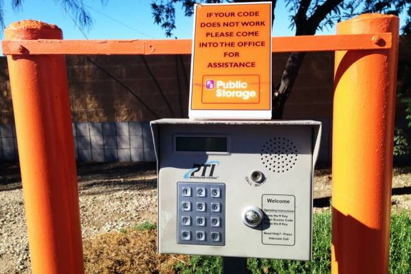 Public Storage - Gilbert - 1515 N Greenfield Rd 1515 N Greenfield Rd Gilbert, AZ - Photo 4