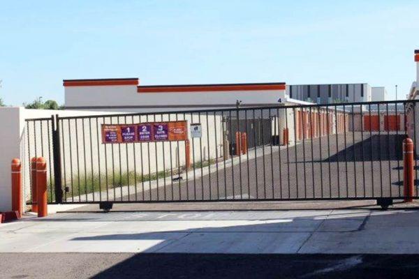 Public Storage - Gilbert - 1515 N Greenfield Rd 1515 N Greenfield Rd Gilbert, AZ - Photo 3