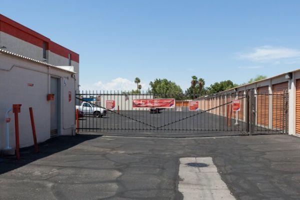 Public Storage - Phoenix - 1808 W Camelback Rd 1808 W Camelback Rd Phoenix, AZ - Photo 3