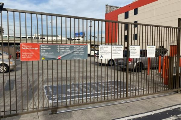 Public Storage - Los Angeles - 1702 S San Pedro Street 1702 S San Pedro Street Los Angeles, CA - Photo 3