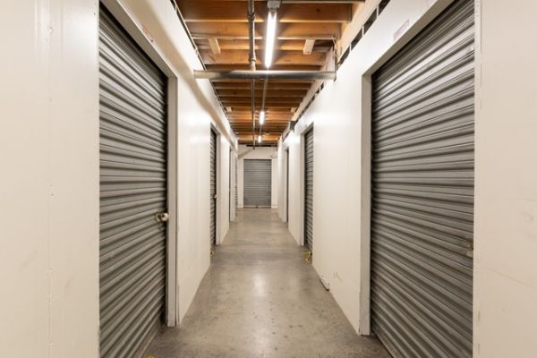 Public Storage - Los Angeles - 1702 S San Pedro Street 1702 S San Pedro Street Los Angeles, CA - Photo 1