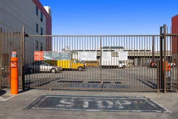 Public Storage - Los Angeles - 1702 S San Pedro Street 1702 S San Pedro Street Los Angeles, CA - Photo 3