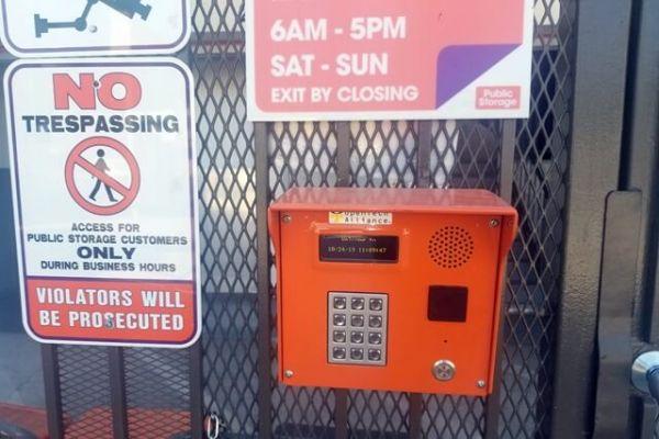 Public Storage - Los Angeles - 2370 Colorado Blvd 2370 Colorado Blvd Los Angeles, CA - Photo 4