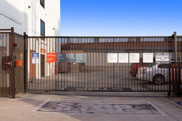 Public Storage - North Hollywood - 5410 Vineland Ave 5410 Vineland Ave North Hollywood, CA - Photo 3
