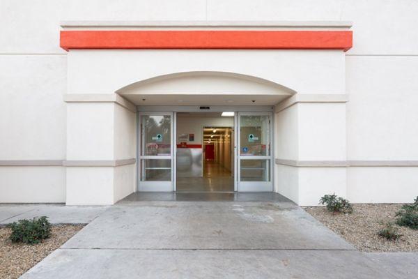 Public Storage - Santa Ana - 4501 W MacArthur Blvd 4501 W MacArthur Blvd Santa Ana, CA - Photo 3