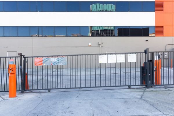 Public Storage - Inglewood - 10100 S La Cienega Blvd 10100 S La Cienega Blvd Inglewood, CA - Photo 3