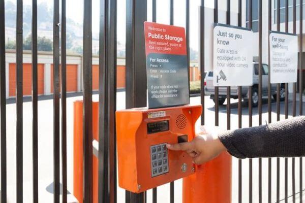 Public Storage - Los Angeles - 3810 Eagle Rock Blvd 3810 Eagle Rock Blvd Los Angeles, CA - Photo 4