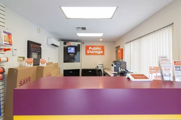 Public Storage - Los Angeles - 4583 Huntington Drive South 4583 Huntington Drive South Los Angeles, CA - Photo 2