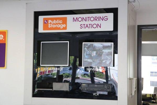 Public Storage - Van Nuys - 15350 Oxnard Street 15350 Oxnard Street Van Nuys, CA - Photo 3