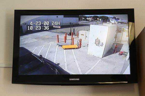 Public Storage - Los Angeles - 3770 Crenshaw Blvd 3770 Crenshaw Blvd Los Angeles, CA - Photo 3