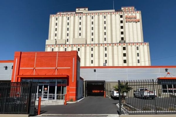 Public Storage - Los Angeles - 3636 Beverly Blvd 3636 Beverly Blvd Los Angeles, CA - Photo 0