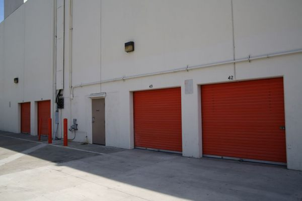 Public Storage - Los Angeles - 2703 Martin Luther King Blvd 2703 Martin Luther King Blvd Los Angeles, CA - Photo 1