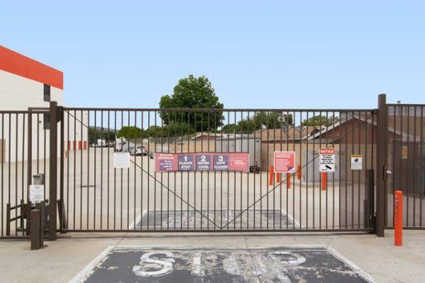 Public Storage - Montebello - 240 E Whittier Blvd 240 E Whittier Blvd Montebello, CA - Photo 3