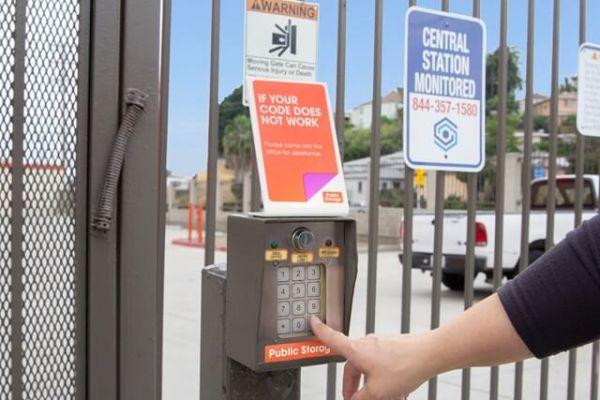Public Storage - Los Angeles - 1747 N Eastern Ave 1747 N Eastern Ave Los Angeles, CA - Photo 4
