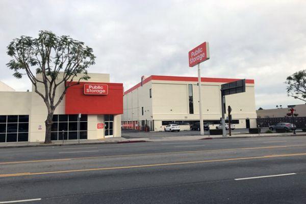 Public Storage - Sherman Oaks - 4610 Van Nuys Blvd 4610 Van Nuys Blvd Sherman Oaks, CA - Photo 0