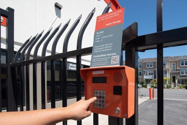 Public Storage - Mountain View - 830 N Rengstorff Ave 830 N Rengstorff Ave Mountain View, CA - Photo 4