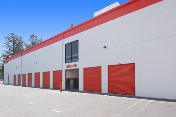 Public Storage - Mountain View - 830 N Rengstorff Ave 830 N Rengstorff Ave Mountain View, CA - Photo 1