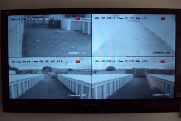 Public Storage - Newark - 38290 Cedar Blvd 38290 Cedar Blvd Newark, CA - Photo 3