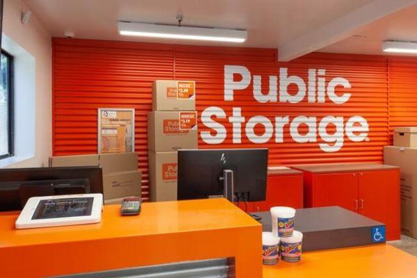 Public Storage - West Hollywood - 6801 Santa Monica Blvd 6801 Santa Monica Blvd West Hollywood, CA - Photo 2