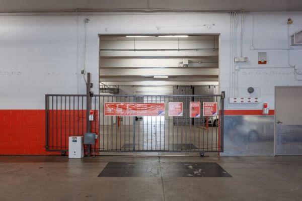 Public Storage - West Hollywood - 6801 Santa Monica Blvd 6801 Santa Monica Blvd West Hollywood, CA - Photo 3