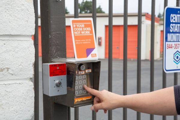 Public Storage - Tustin - 14861 Franklin Ave 14861 Franklin Ave Tustin, CA - Photo 4