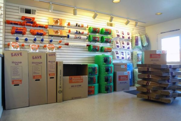 Public Storage - Hayward - 29824 Mission Blvd 29824 Mission Blvd Hayward, CA - Photo 2