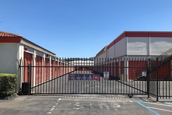 Public Storage - San Leandro - 14280 Washington Ave 14280 Washington Ave San Leandro, CA - Photo 3