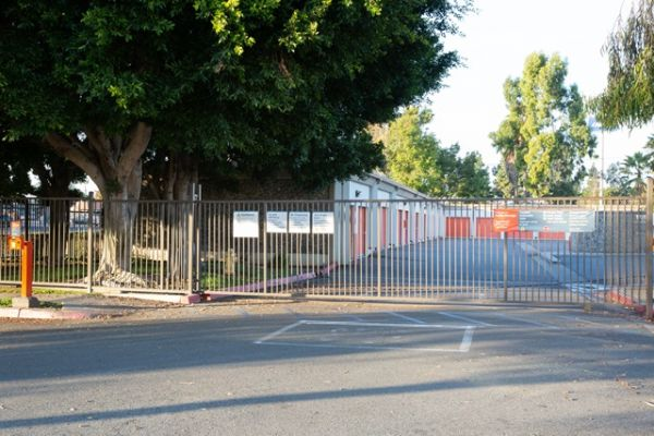 Public Storage - Santa Ana - 2200 E McFadden Ave 2200 E McFadden Ave Santa Ana, CA - Photo 3