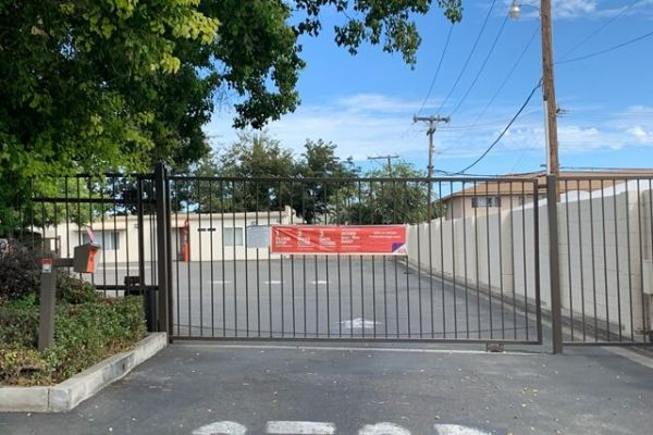 Public Storage - Tracy - 1615 W 11th Street 1615 W 11th Street Tracy, CA - Photo 3