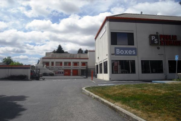 Public Storage - Mountain View - 1987 Old Middlefield Way 1987 Old Middlefield Way Mountain View, CA - Photo 0