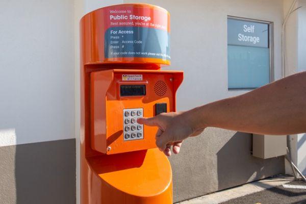 Public Storage - Santa Clara - 630 Laurelwood Road 630 Laurelwood Road Santa Clara, CA - Photo 4