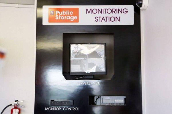 Public Storage - Carson - 1421 E Del Amo Blvd 1421 E Del Amo Blvd Carson, CA - Photo 3