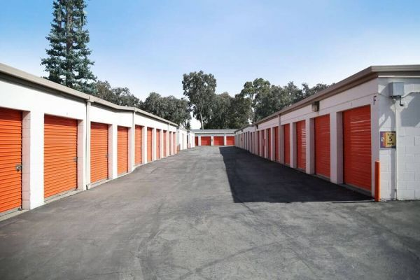 Public Storage - Carson - 1421 E Del Amo Blvd 1421 E Del Amo Blvd Carson, CA - Photo 1