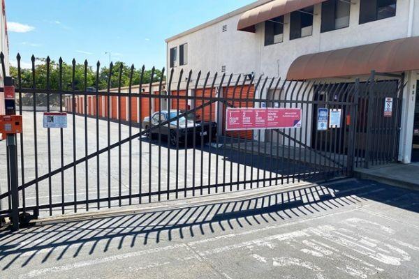 Public Storage - Sacramento - 801 57th Street 801 57th Street Sacramento, CA - Photo 3