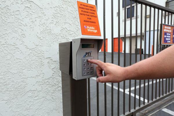 Public Storage - Los Alamitos - 3752 Cerritos Ave 3752 Cerritos Ave Los Alamitos, CA - Photo 4