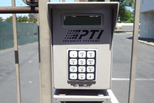 Public Storage - Concord - 2350 Monument Blvd 2350 Monument Blvd Concord, CA - Photo 4