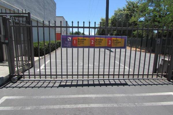 Public Storage - Concord - 2350 Monument Blvd 2350 Monument Blvd Concord, CA - Photo 3