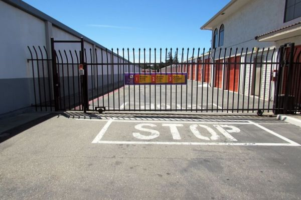 Public Storage - Castro Valley - 2445 Grove Way 2445 Grove Way Castro Valley, CA - Photo 3