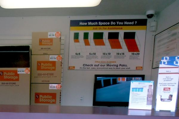 Public Storage - Oakland - 6201 San Leandro Street 6201 San Leandro Street Oakland, CA - Photo 2