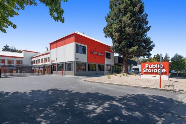 Public Storage - Mountain View - 1909 Old Middlefield Way 1909 Old Middlefield Way Mountain View, CA - Photo 0