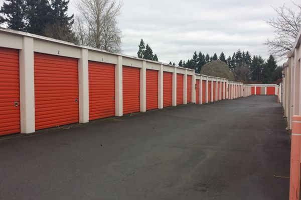 Public Storage - Tigard - 13473 SW Pacific Hwy 13473 SW Pacific Hwy Tigard, OR - Photo 1