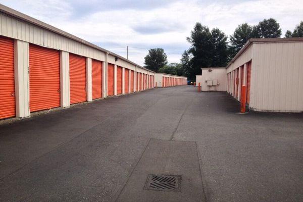 Public Storage - Renton - 2233 E Valley Rd 2233 E Valley Rd Renton, WA - Photo 1