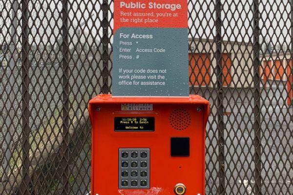 Public Storage - Portland - 8928 NE Halsey Street 8928 NE Halsey Street Portland, OR - Photo 4