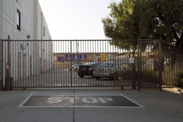 Public Storage - Hawthorne - 14107 Crenshaw Blvd 14107 Crenshaw Blvd Hawthorne, CA - Photo 3