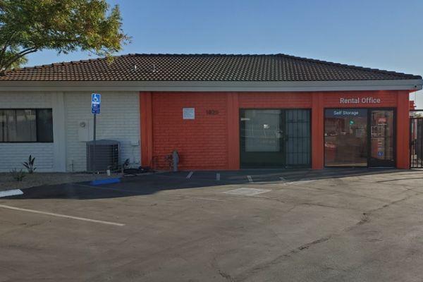 Public Storage - Sacramento - 1820 Frienza Ave 1820 Frienza Ave Sacramento, CA - Photo 0
